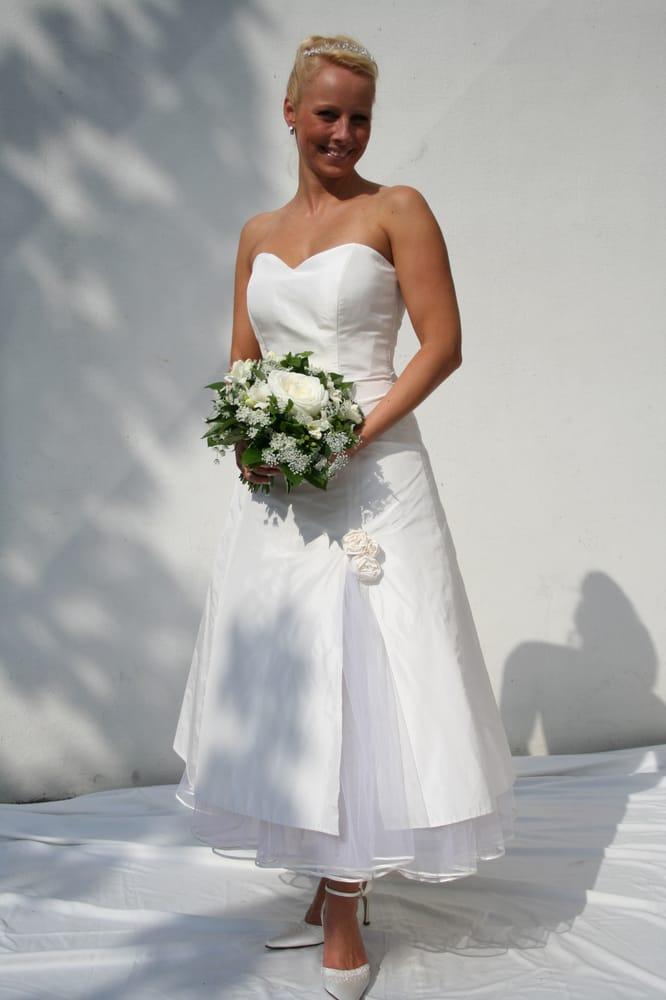 Dressmaker Braut & Abendmode - 27 Fotos & 19 Beiträge - Brautmode ...