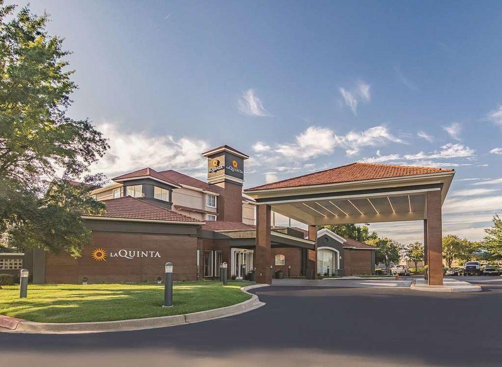 La Quinta by Wyndham Alexandria Airport: 6116 West Calhoun Dr, Alexandria, LA