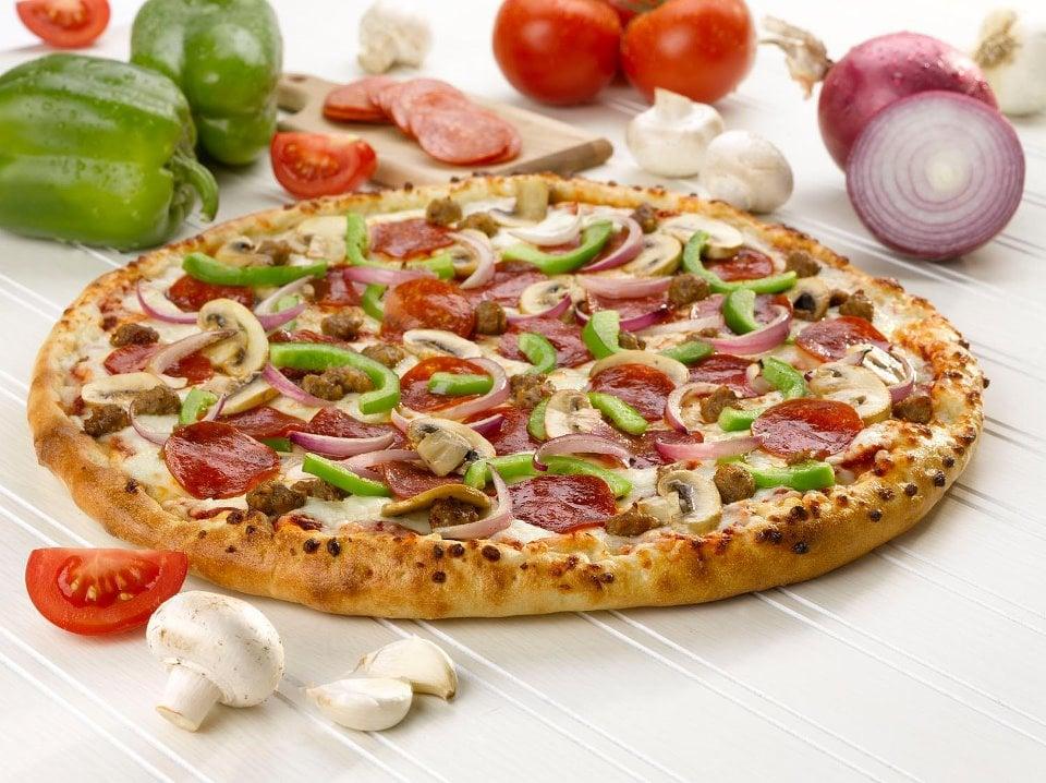Blackjack pizza salads