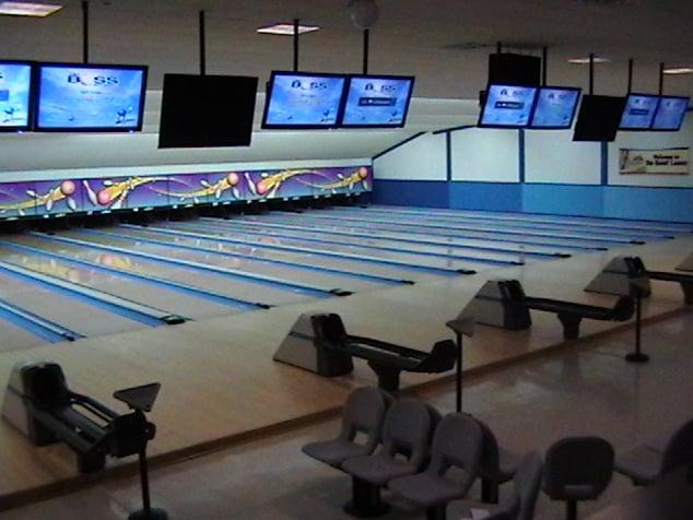 Du Bowl Lanes: 2711 Lemay Ferry Rd, Saint Louis, MO