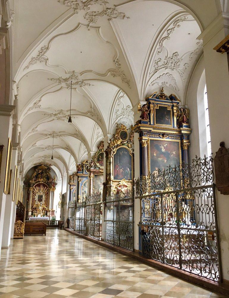 St. Peter: Petersplatz 1, Munich, BY