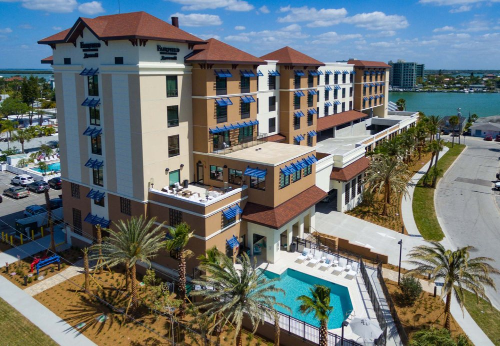 Fairfield Inn & Suites by Marriott Clearwater Beach: 650 Bay Esplanade, Clearwater Beach, FL