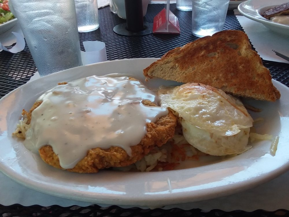 Elk Horn Cafe: 2663 S 84-64 Hwy, Chama, NM