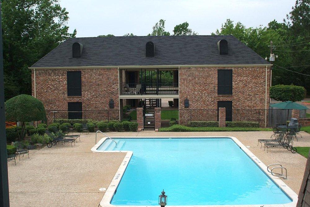 French Quarter Apartments: 100 Briar Cove Dr, Jacksonville, TX