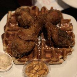 3 Dame S En Waffles 497 Reviews Soul Food