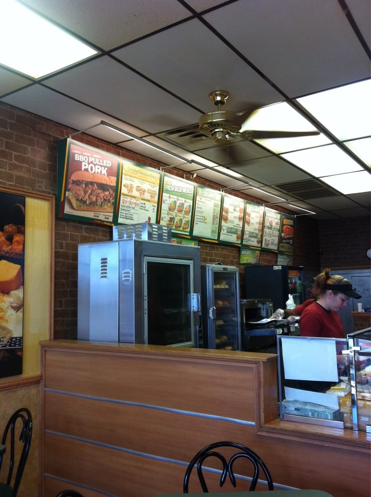 Subway sandwiches 1700 w parmer ln lamplight village for Lamplight village austin