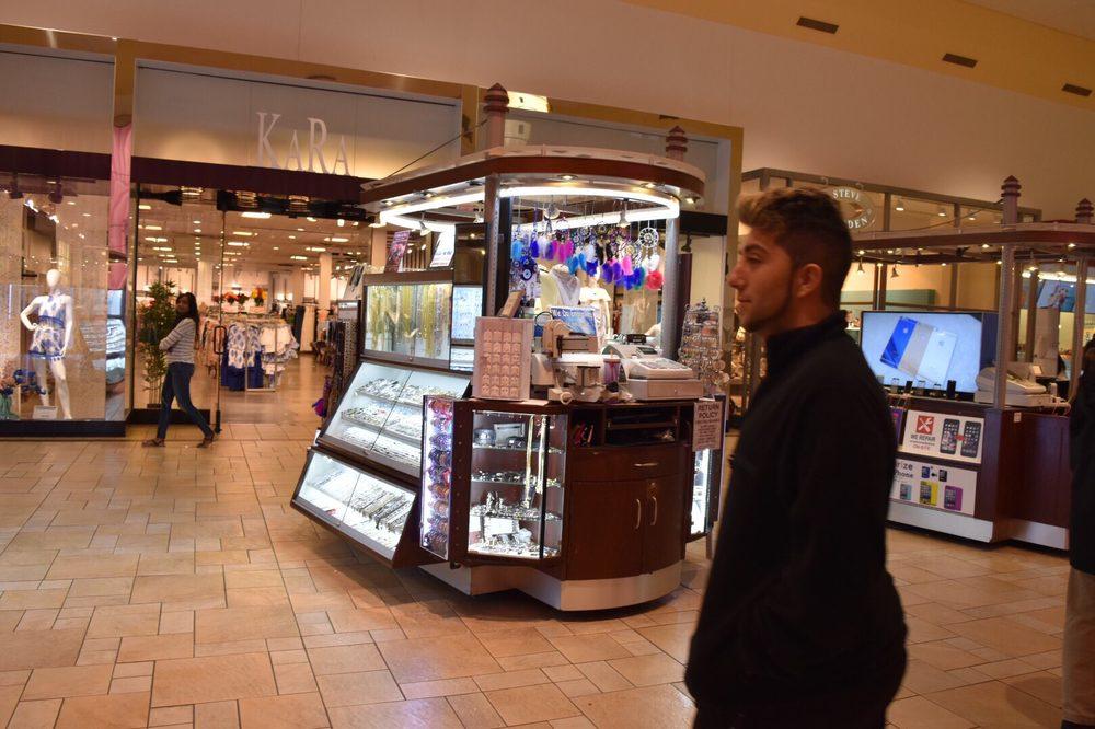 Kara Fashions Smith Haven Mall