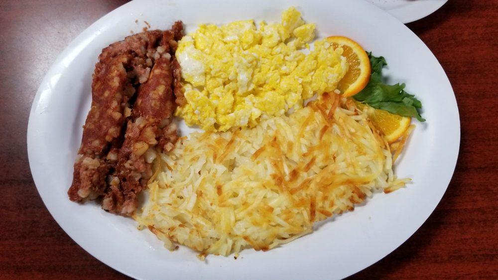 Tu Ka Khan Restaurant: Valley Of Fire Hwy, Clark, NV