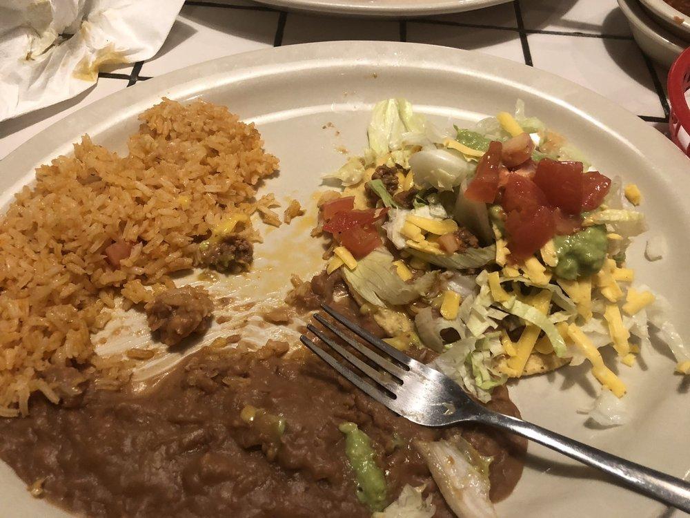 Meme's Mexican Restaurant: 942 E Pierce St, Luling, TX