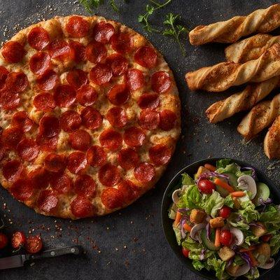 Stupendous Round Table Pizza 34 Photos 98 Reviews Pizza 1717 Home Interior And Landscaping Ymoonbapapsignezvosmurscom