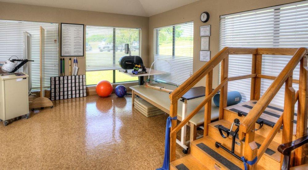 Live Oak Nursing Center: 2951 Highway 281, George West, TX