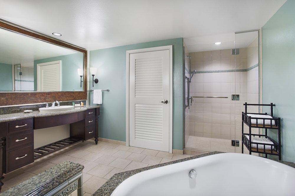 Two bedroom suite bathroom yelp - 2 bedroom suites honolulu hawaii ...