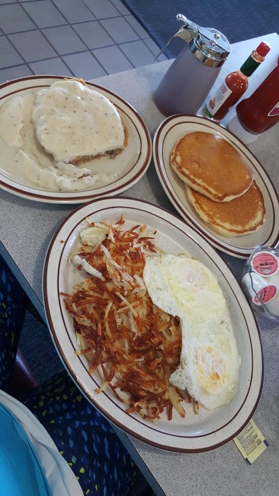 Breakwater Restaurant: 1808 E Lakeshore Dr, Ashland, WI