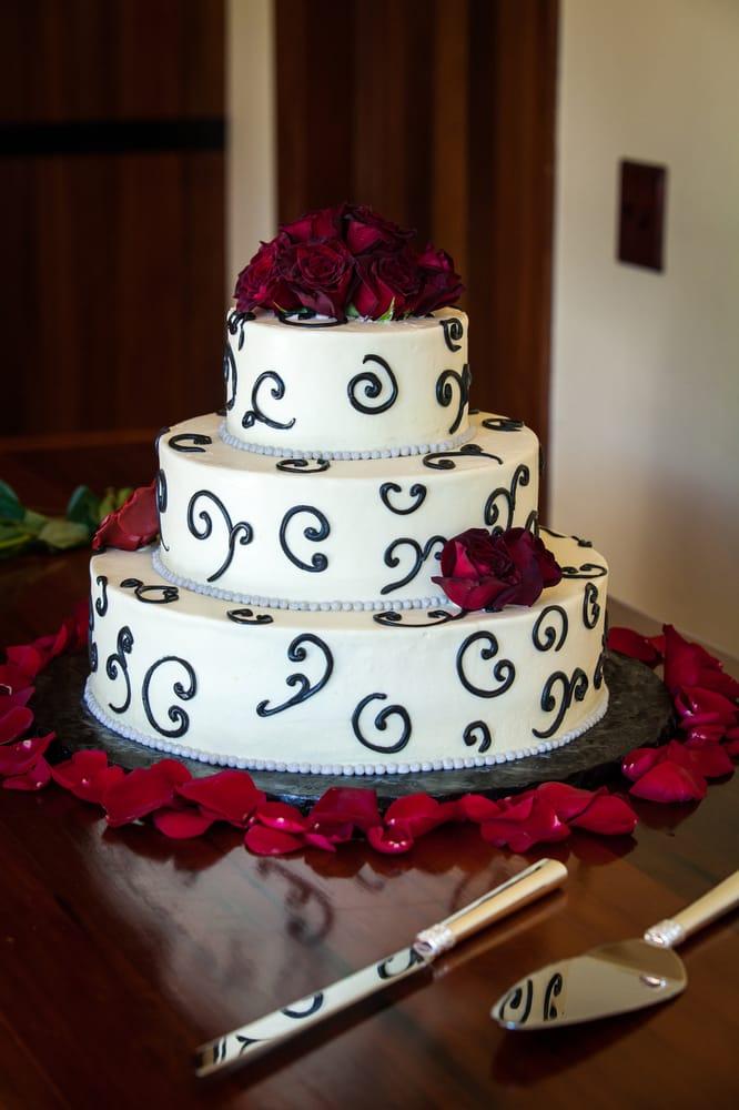 Our Wedding Cake Chocolate Vanilla Genoise And Carrot Cake Yum