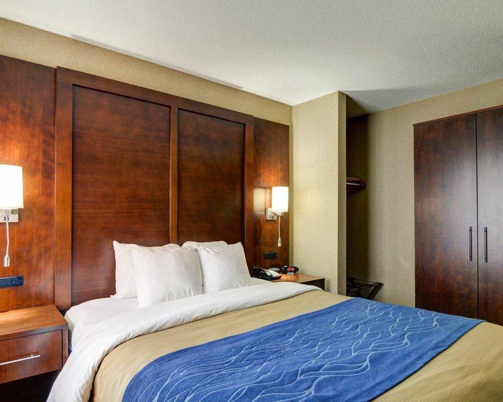 Comfort Inn & Suites - 26 Photos & 10 Reviews - Hotels - 2370 ...