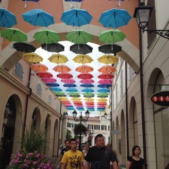 Veneto Designer Outlet - 16 Fotoğraf - Outlet Mağazaları - Via Marco ...
