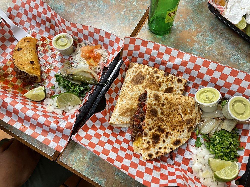 Food from Taqueria Nuevo Leon