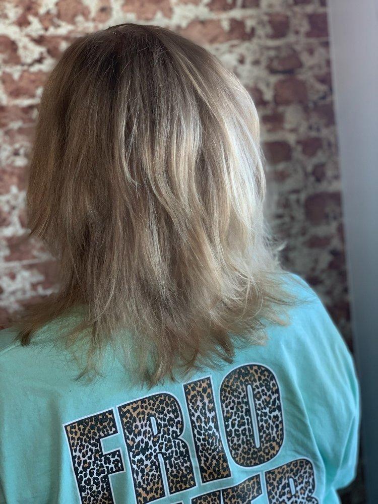 Polished Beauty Bar: 503 N Hwy 171, Godley, TX