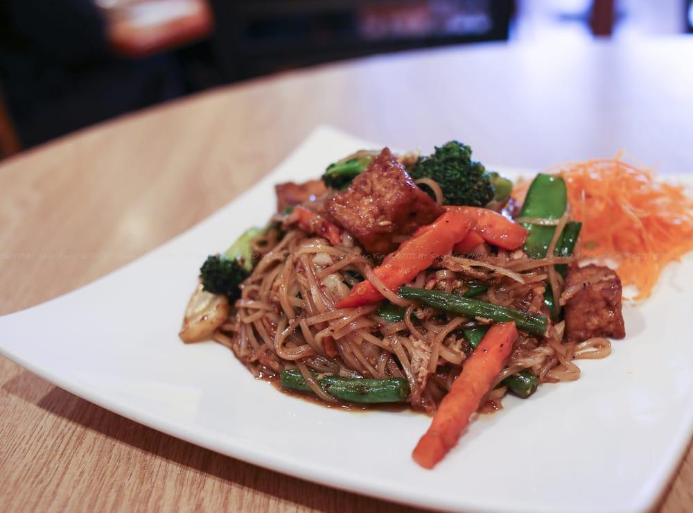 Chaang thai restaurant 54 fotos y 96 rese as cocina for Ar roi thai cuisine