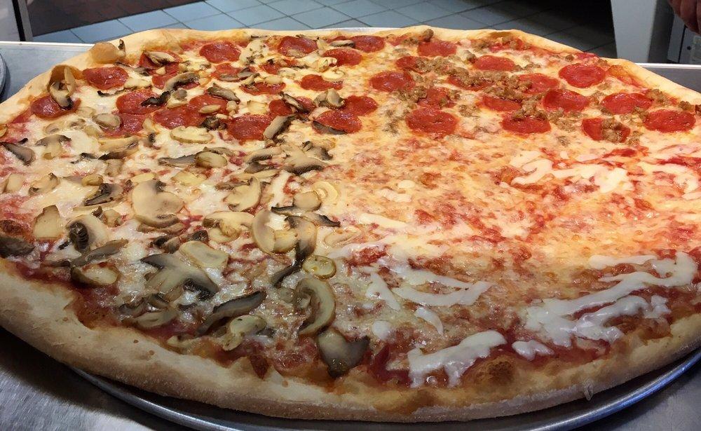 Corrado's Pizza: 10177 N Kings Hwy, Myrtle Beach, SC
