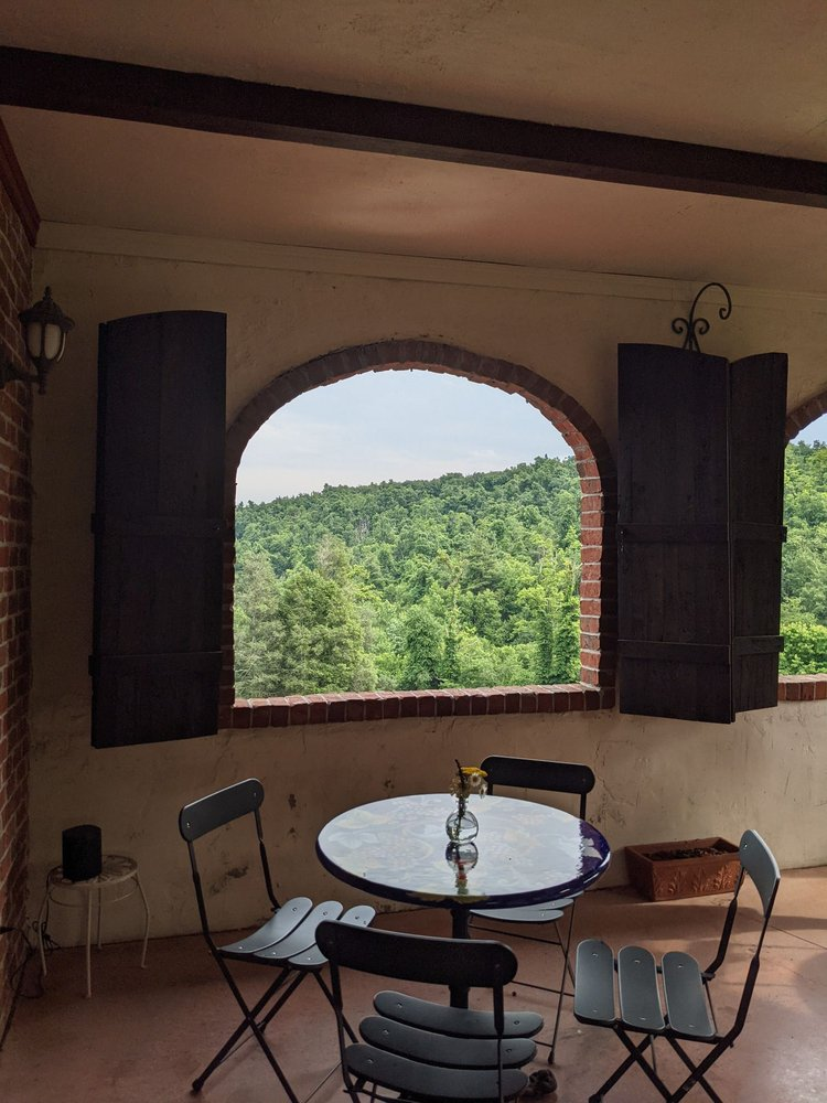 Villa Appalaccia Winery: 752 Rock Castle Gorge, Floyd, VA