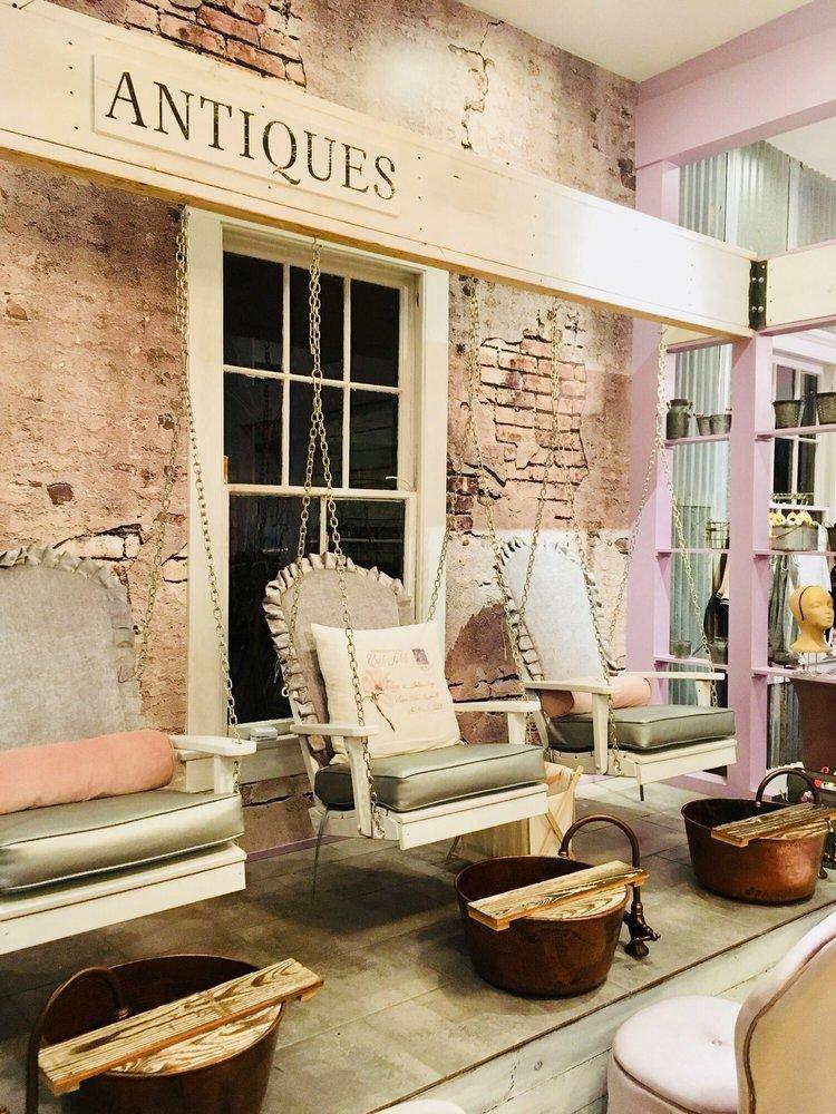 Southern Swings Nail Bar & Spa: 4422 Magazine St, New Orleans, LA