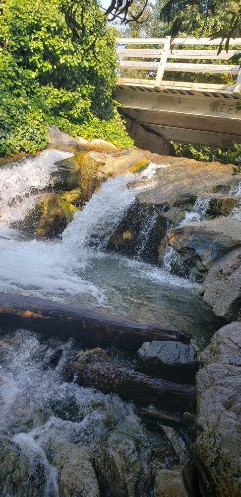 Apple White Picnic Area: 14126 Pollard Dr, Lytle Creek, CA