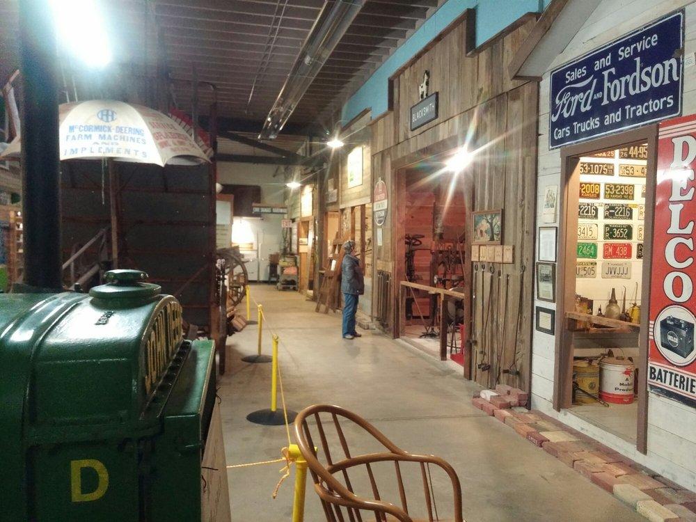 Pratt County Historical Museum: 208 S Ninnescah St, Pratt, KS