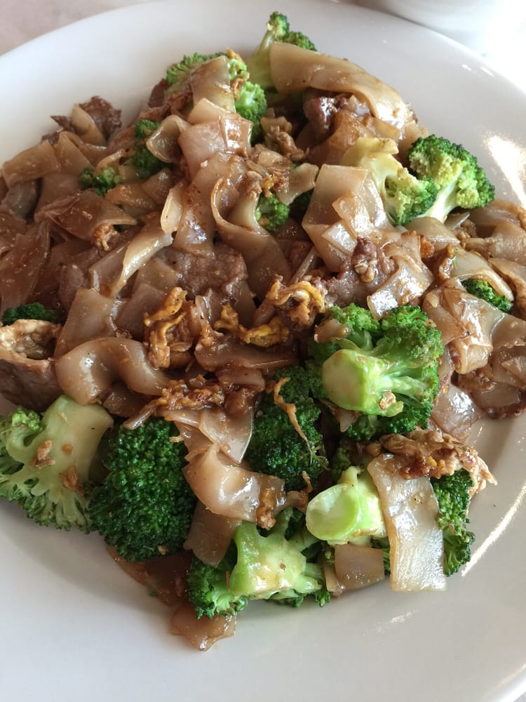 Pad see eu soy sauce noodle yelp for Anothai cuisine cypress