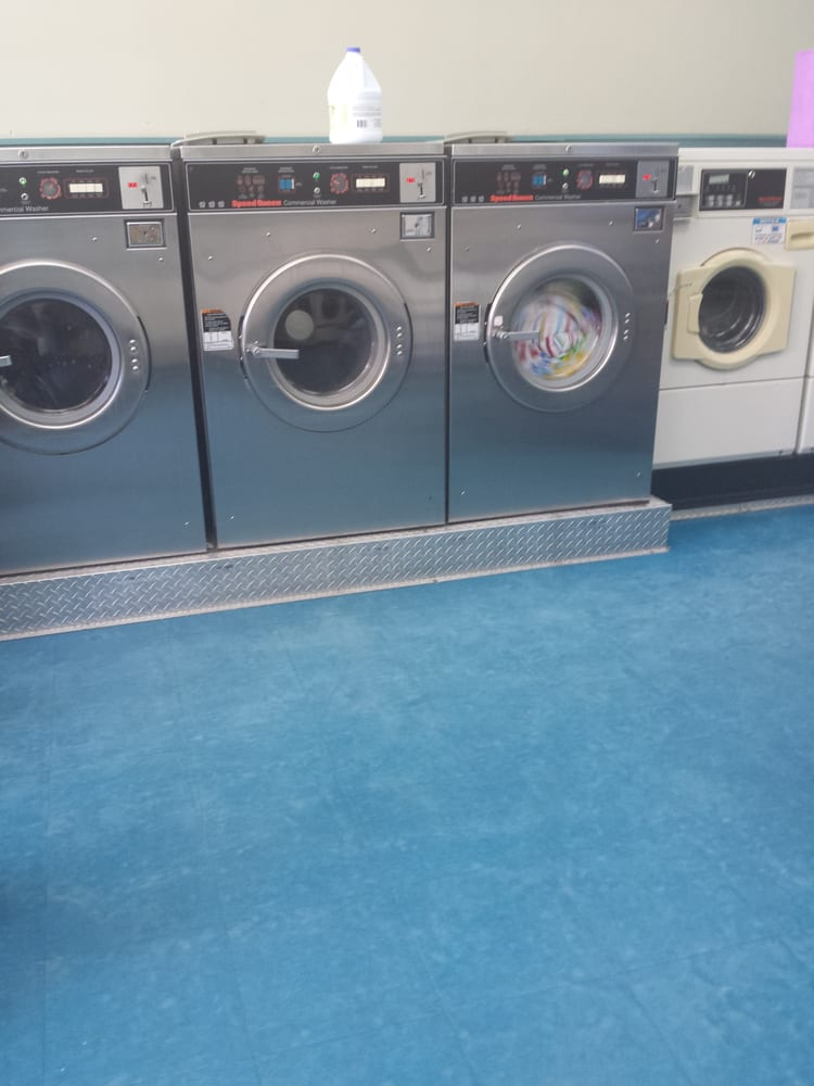 Tender Loving Care Laundromat: 2569 Boggy Creek Rd, Kissimmee, FL