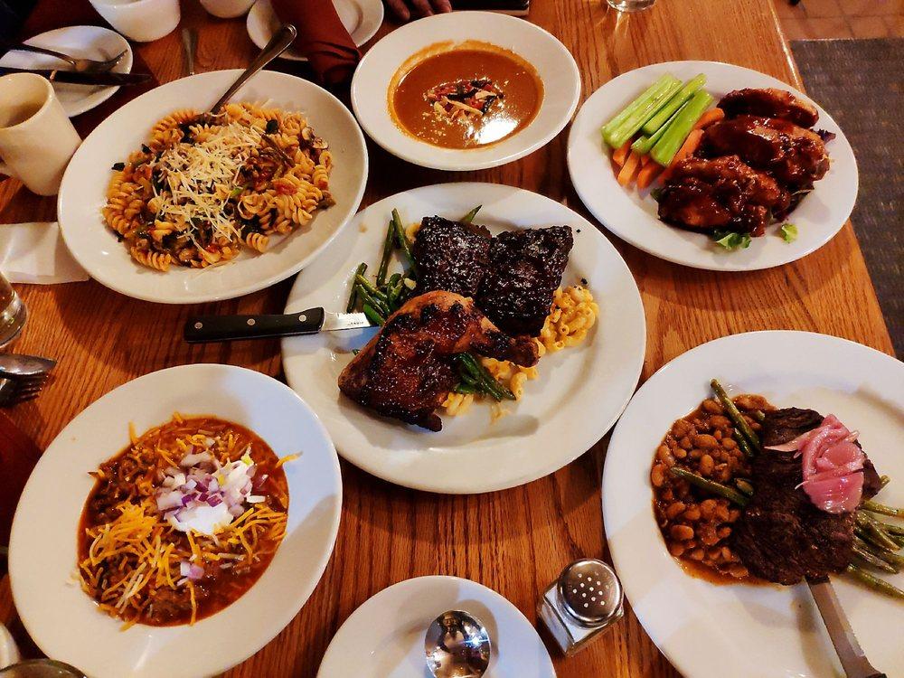 Stovepipe Wells Restaurant: Ca 190, Porterville, CA