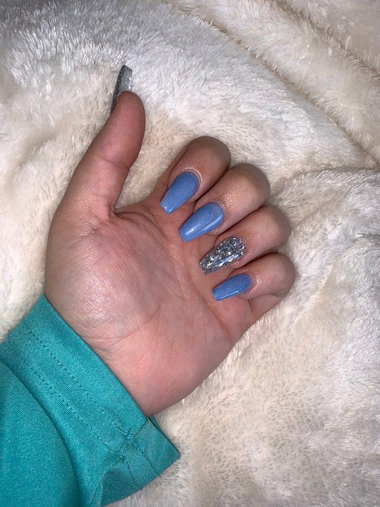 VIP Nails and Spa: 209 S Dallas Ave, Lamesa, TX