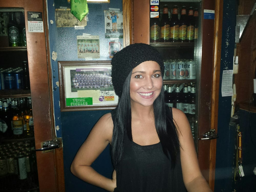 Boozer's Sports Bar: 635 Main St, Avoca, PA