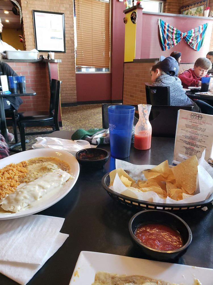 Los Arcos Mexican Food & Tequila Bar: 1212 E State Rte 72, Rolla, MO