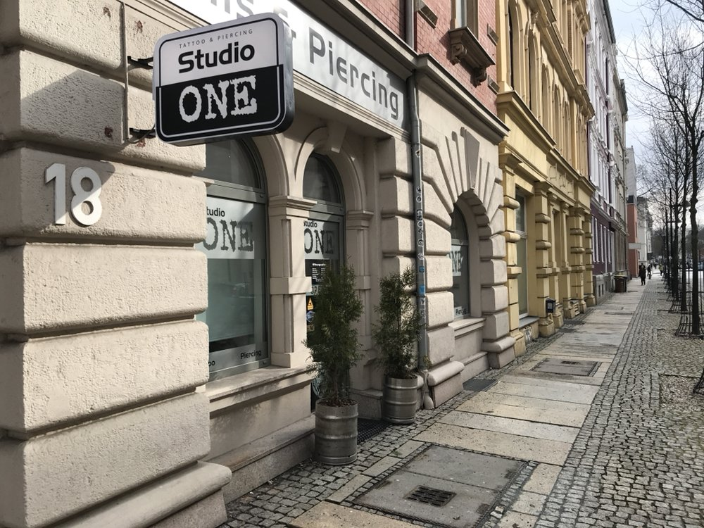 studio one tattoo an der markthalle 18 chemnitz sachsen germany phone number yelp. Black Bedroom Furniture Sets. Home Design Ideas