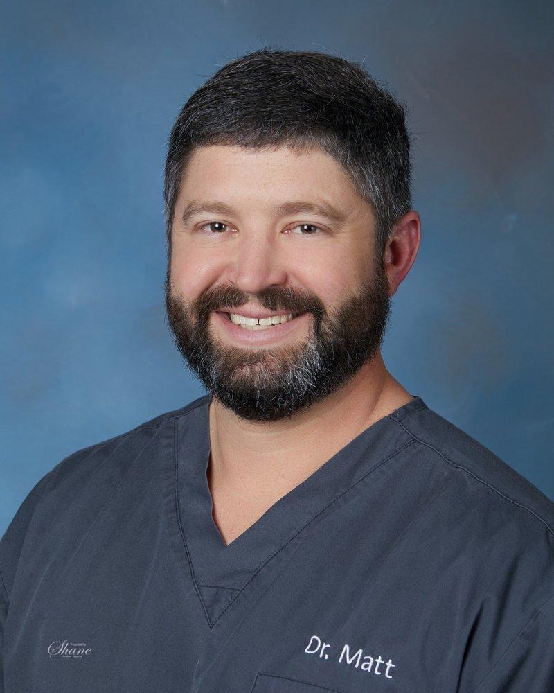 Desoto Veterinary Clinic: 33900 Lexington Ave, De Soto, KS