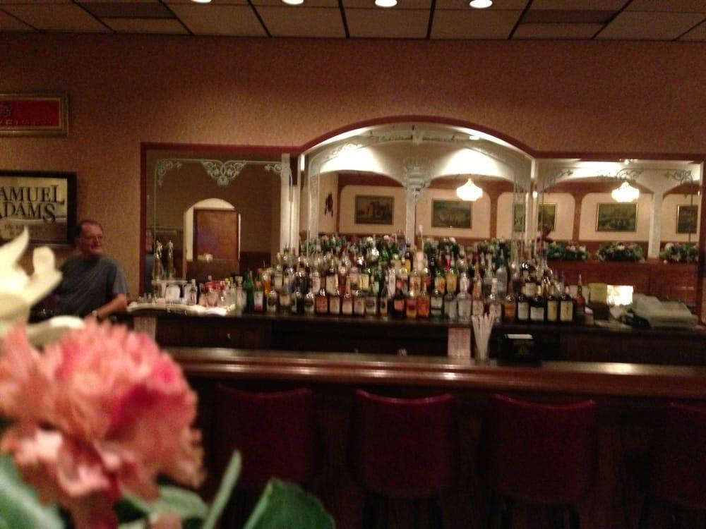 Dubrovnik Garden Restaurant: 34900 Lake Shore Blvd, Eastlake, OH
