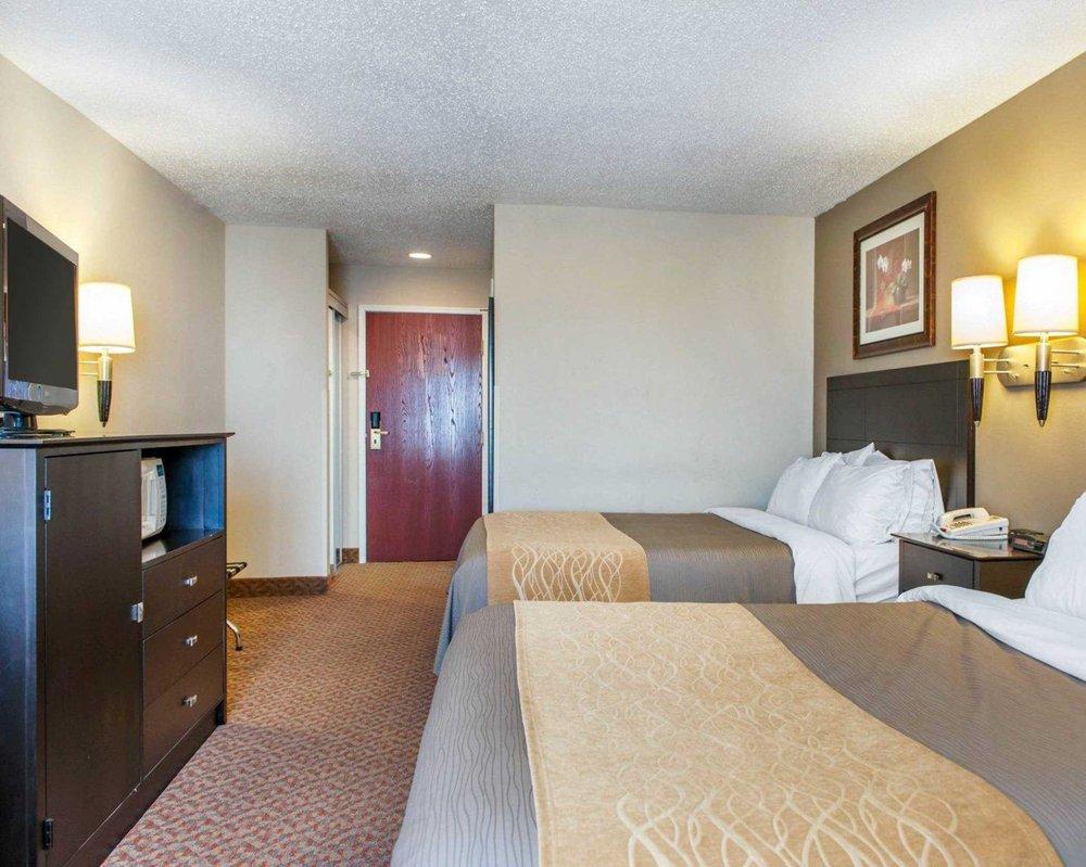 Comfort Inn: 1782 N Main St, Bluffton, IN