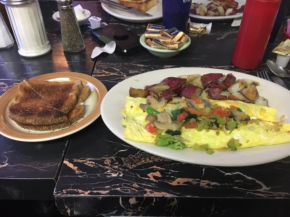 Scrappy's Diner: 10338 New York 149, Fort Ann, NY
