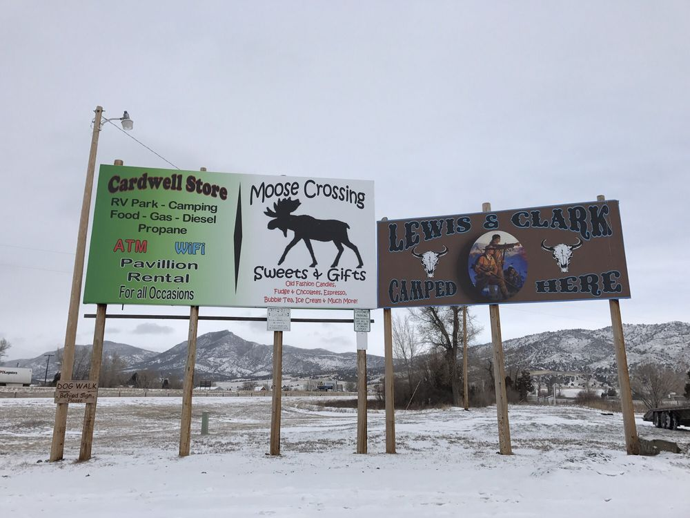 Moose Crossing Sweets & Gifts: 770 Hwy 2 E, Cardwell, MT