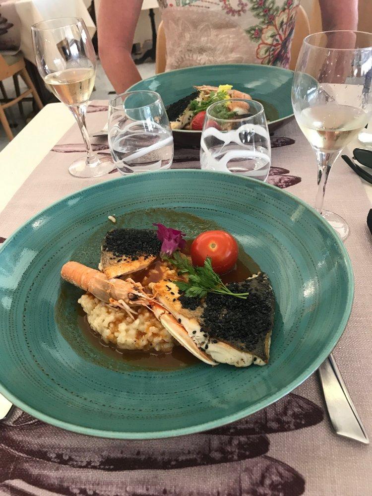 Hôtel Restaurant de la Tour - Sanary-Sur-Mer