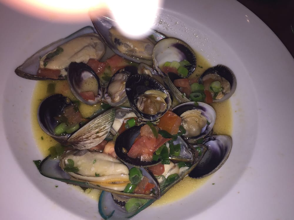 Clams and mussels yelp for The fish hopper