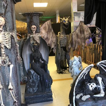 the best halloween store ever 32 photos 63 reviews costumes