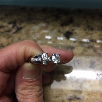 Jared s galleria of jewelry 11 reviews jewellery for Jared galleria of jewelry selma tx