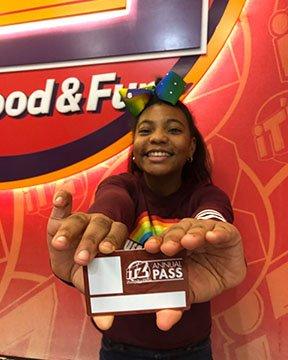iT'Z Family Food and Fun: 5950 Fairmont Pkwy, Pasadena, TX