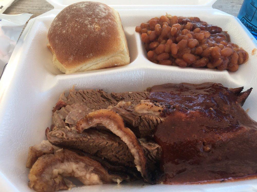 Dave's BBQ: 1712 Celina Rd, Saint Marys, OH