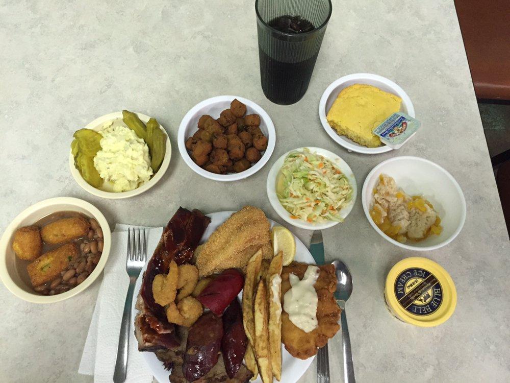 Fish Tales Restaurant: 10120 S Lida Ln, Tishomingo, OK