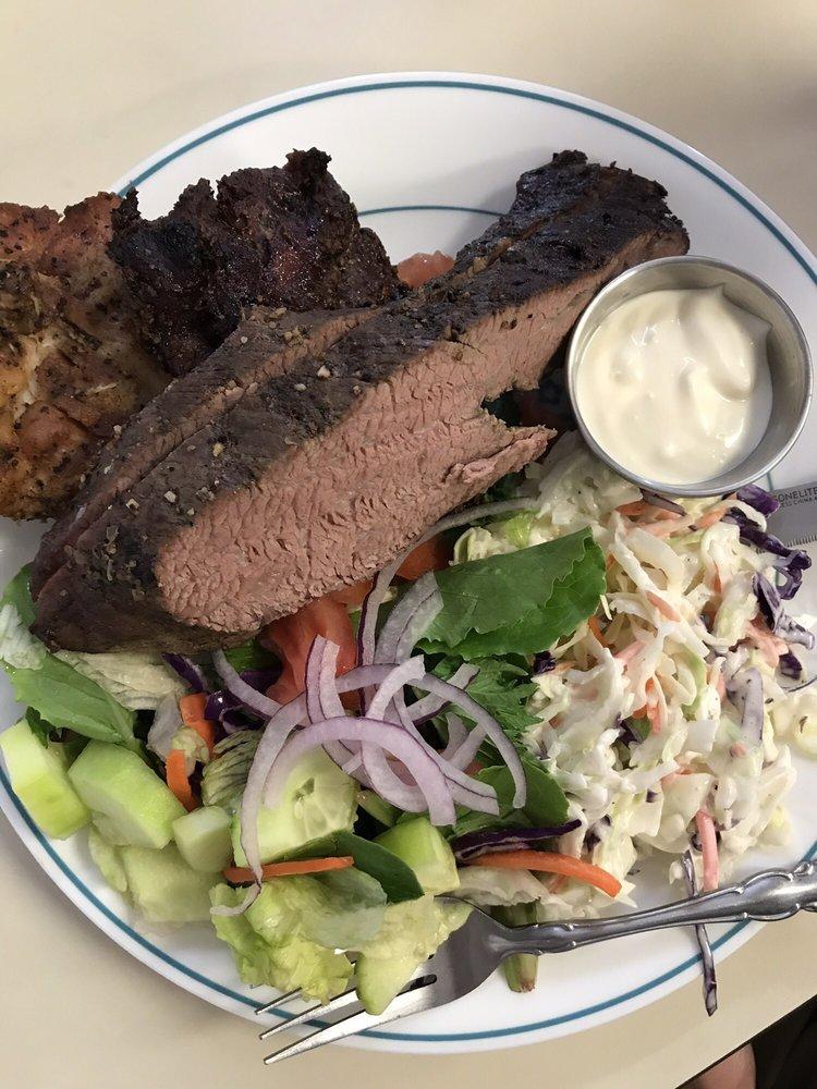 2 Bud's BBQ: 592 Antelope Blvd, Red Bluff, CA