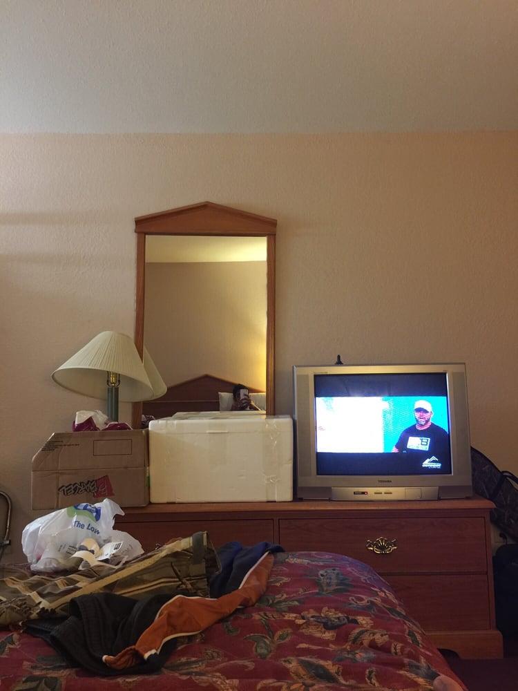 Edwards Motel: 1302 Fourth St, Jonesville, LA