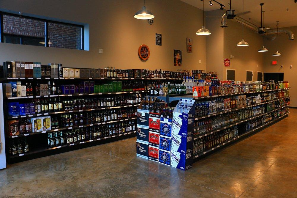 Black Dog Spirits & Ale: 256 Centre St, Pleasant View, TN
